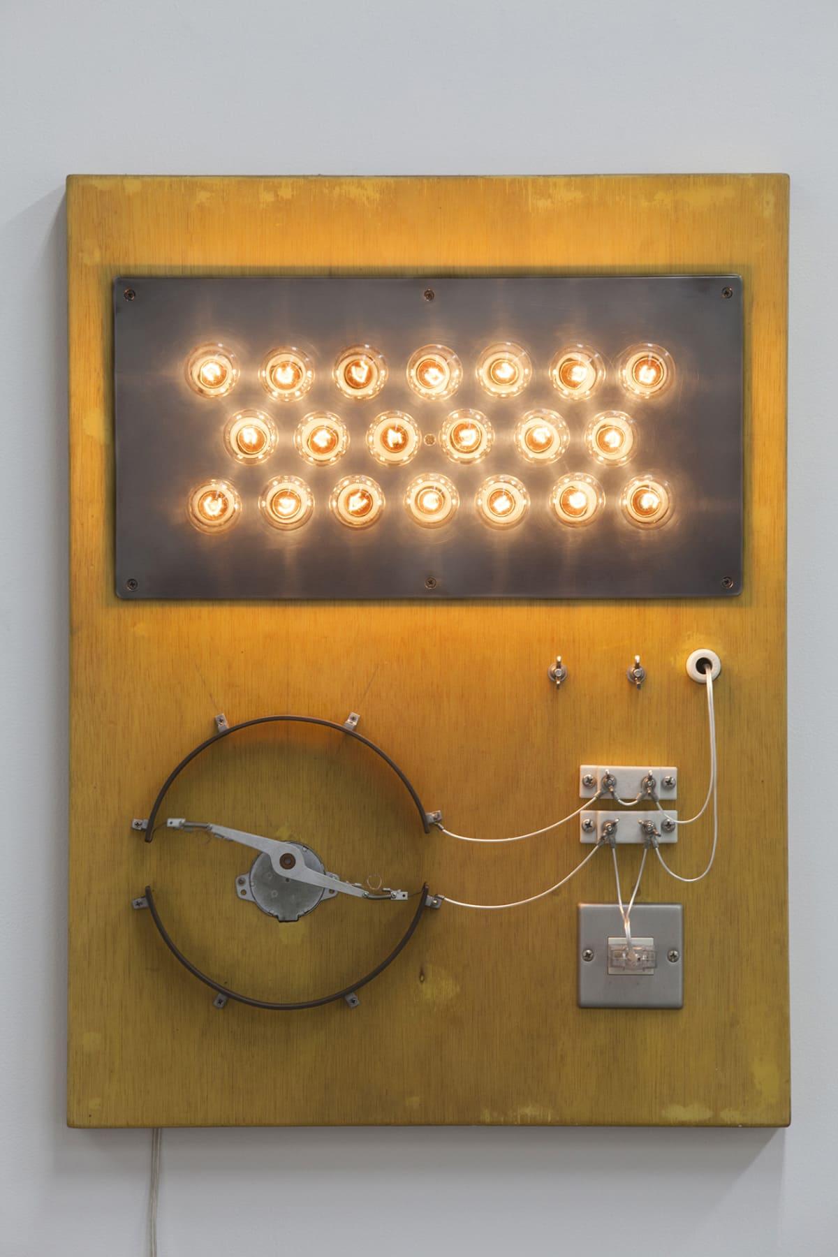 白熱灯のための接点