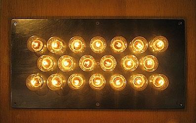 20の白熱灯のための接点